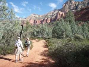 hikers on the Brin's mesa trail